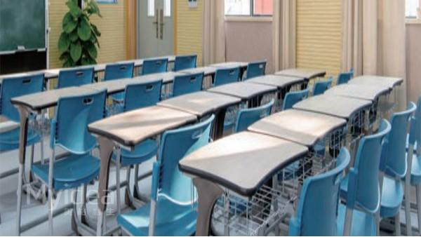 学校课桌椅一般用什么材料?