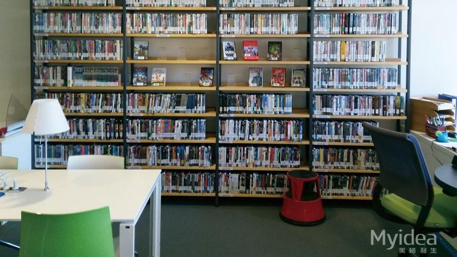 学校图书馆展示架书架