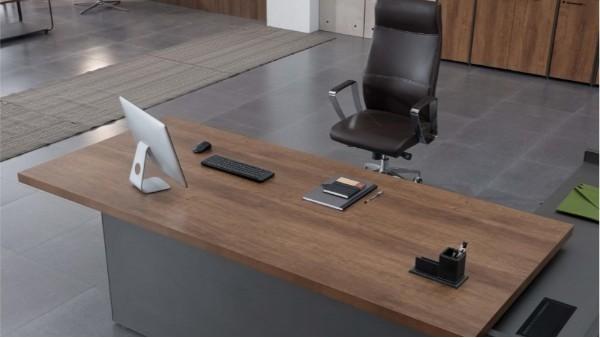 冬季如何保养木质的办公家具?